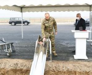 Президент Азербайджана заложил фундамент железнодорожной линии Горадиз-Агбенд