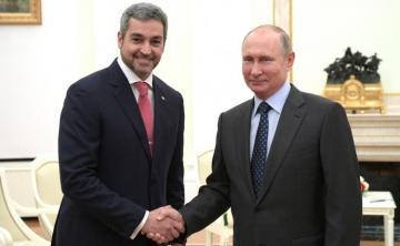 """Paraqvay prezidenti """"Sputnik V"""" peyvəndinə görə Putinə təşəkkür edib"""