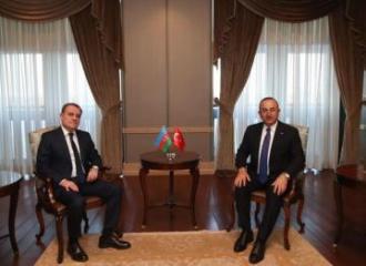 Главы МИД Азербайджана и Турции обсудили последнюю ситуацию в Карабахе