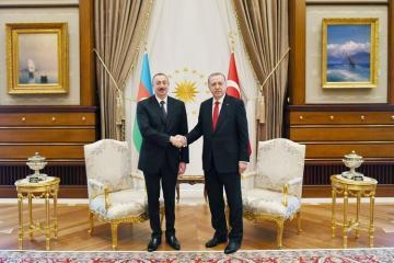 Президент Ильхам Алиев поздравил Эрдогана