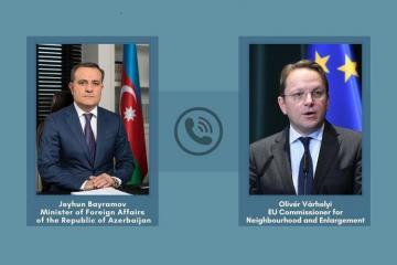 Джейхун Байрамов провел переговоры с комиссаром ЕС по соседству и расширению