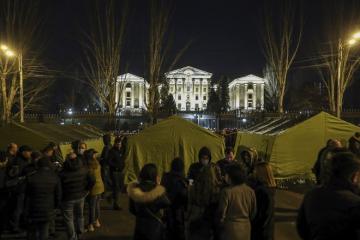 США призвали армянских военных не вмешиваться в политику страны