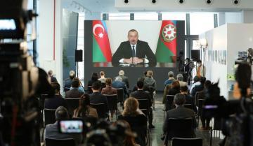 Ильхам Алиев: Если все пойдет именно так, как мы думаем, то мы не исключаем на каком-то этапе подписания и мирного договора