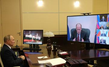 Putin Azərbaycan Prezidenti və Ermənistan Baş naziri ilə üçtərəfli görüş öncəsi Rusiya TŞ-nin üzvləriylə iclas keçirib
