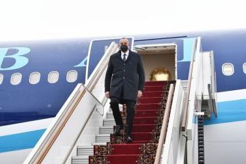 Президент Азербайджана отправился с рабочим визитом в Москву - [color=red]ФОТО[/color]