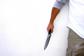 Bakıda gənc oğlan bıçaqlanıb