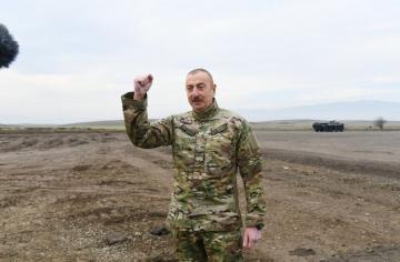 Президент Ильхам Алиев: Если кто-то в Армении думает о реванше, то он еще раз увидит наш железный кулак