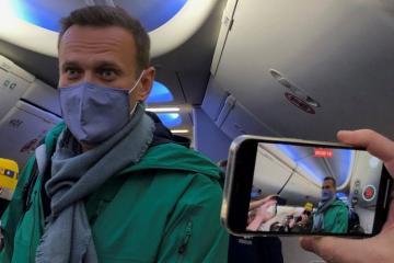 Aleksey Navalnı Moskvaya qayıdan kimi saxlanılıb
