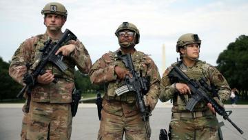 В Вашингтон прибыли 15 тысяч бойцов национальной гвардии перед инаугурацией Байдена