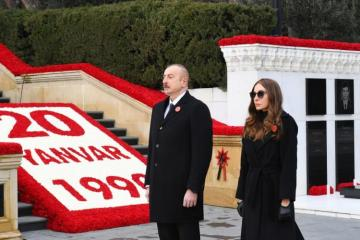 President Ilham Aliyev visits the Alley of Martyrs