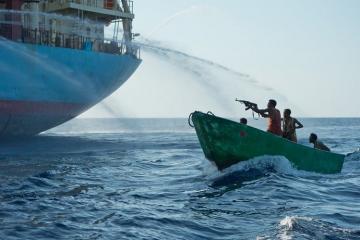 Нигерийские пираты напали на турецкое судно, 15 моряков взяты в заложники, убит азербайджанец
