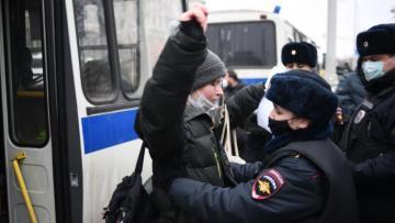 Госдеп осудил действия силовиков на несогласованных акциях в России