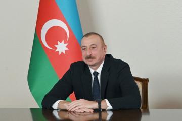 Президент Ильхам Алиев поздравил народного артиста Эльдара Гулиева