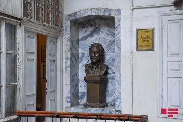 С сегодняшнего дня в Азербайджане открываются музеи и выставочные залы