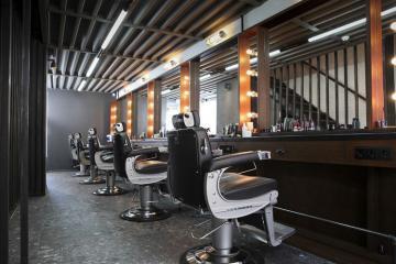 С сегодняшнего дня открываются парикмахерские и салоны красоты