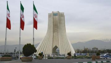 Иран объяснил запрет на импорт вакцин от COVID-19 из США и Британии