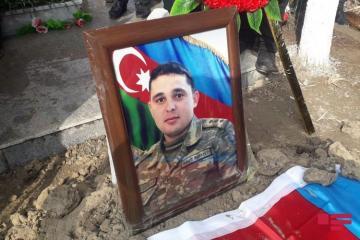 Погибший капитан Рамиль Бабаев похоронен в Кюрдамире – [color=red]ФОТО[/color]