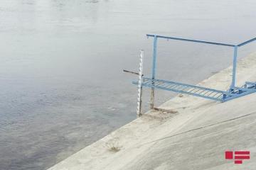 В Баку мальчик утонул в канале