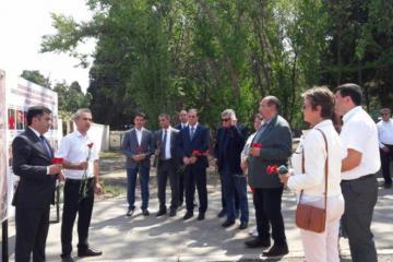 Члены Национальной ассамблеи Франции в Гяндже посетили территорию, подвергшуюся обстрелу со стороны Армении  -[color=red]ФОТО[/color]