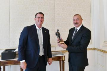Президент Ильхам Алиев принял делегацию США во главе с губернатором штата Оклахома - [color=red]ОБНОВЛЕНО[/color] - [color=red]ВИДЕО[/color]