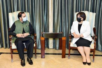 Сахиба Гафарова находится с визитом в Пакистане