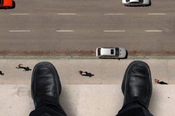 Житель Абшерона выбросился с 14-го этажа