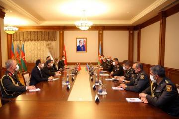 Обсуждены перспективы развития азербайджано-турецкого военного сотрудничества-[color=red]ВИДЕО-ФОТО[/color]