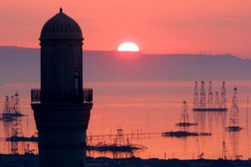Цена азербайджанской нефти превысила $71