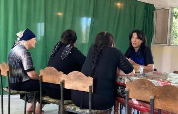Омбудсмен посетила семьи журналистов, погибших в результате взрыва мины в Кяльбаджаре