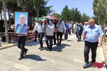 Академик Чингиз Гаджар похоронен на II Аллее почетного захоронения - [color=red]VİDEO[/color] - [color=red]FOTO[/color]