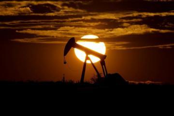 Цена азербайджанской нефти превысила 76 долларов