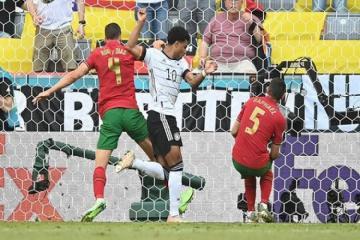 Евро-2020: Испания поделила очки с Польшей, Германия разгромила Португалию