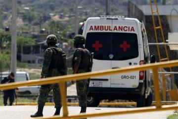 Шесть человек погибли во время беспорядков в тюрьме в Мексике