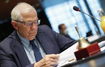 Лидеры 27 стран ЕС поручили Боррелю подготовить варианты санкций против России