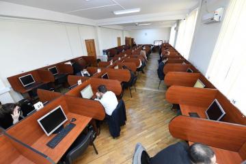 В Азербайджане проведен тестовый экзамен с кандидатами в судьи