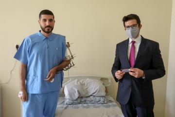 Посол Израиля побывал в медучреждении, в котором проходят лечение участники войны – [color=red]ВИДЕО[/color]