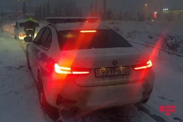 Снегопад в Гейгеле затруднил движение автотранспорта - [color=red]ФОТО[/color]