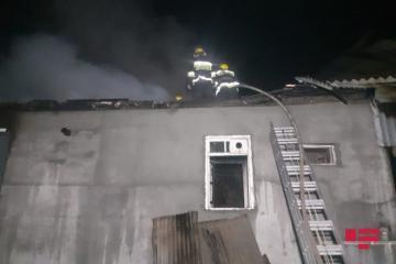 В Баку один человек погиб при пожаре в доме
