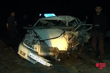 При ДТП в Сабирабаде погиб 1 человек, 4 ранены - [color=red]ФОТО[/color]