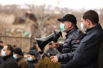 Paşinyan Rusiyadan alınmış qırıcılarda sursatların olmadığını bildirib