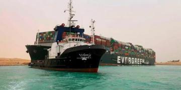 Reuters: потери от блокировки Суэцкого канала могут достигнуть $10 млрд в неделю