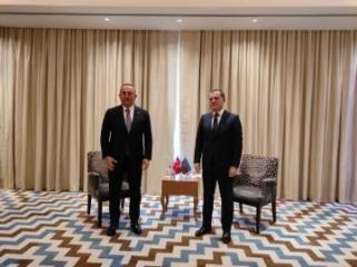 Джейхун Байрамов встретился с главой МИД Турции Мевлютом Чавушоглу