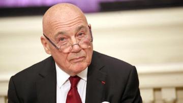 Gürcüstana doğum gününü keçirməyə gələn Vladimir Pozner etirazla qarşılanıb
