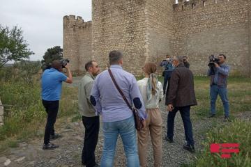 Российские депутаты и эксперты побывали в крепости Шахбулаг в Агдаме - [color=red]ФОТО[/color]