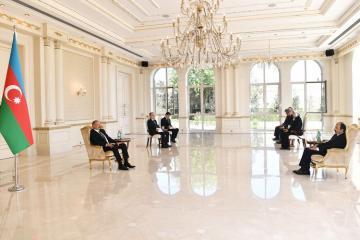 Prezident İlham Əliyev Türkiyənin yeni səfirinin etimadnaməsini qəbul edib