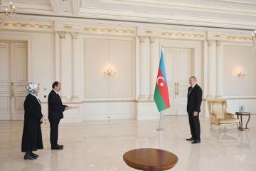 Президент Ильхам Алиев принял верительные грамоты нового посла Турции - [color=red]ОБНОВЛЕНО[/color]