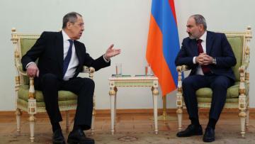 Лавров в Ереване встретится с Пашиняном и главой МИД Армении