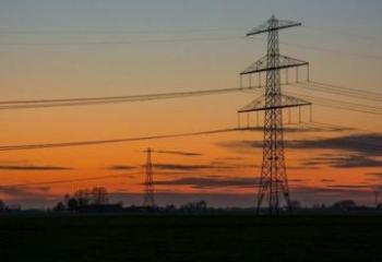 В Мингячевире в результате сильного ветра возникли перебои в подаче электроэнергии