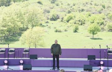 Президент Ильхам Алиев: Я не видел в мире города, похожего на Шушу, возможно, такого и нет
