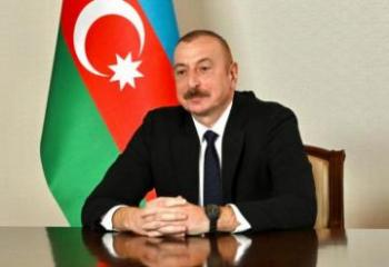 Президент Ильхам Алиев побывал в мечети Юхары Говхарага в Шуше